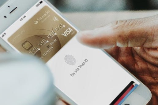 Apple-telefon med Apple Pay